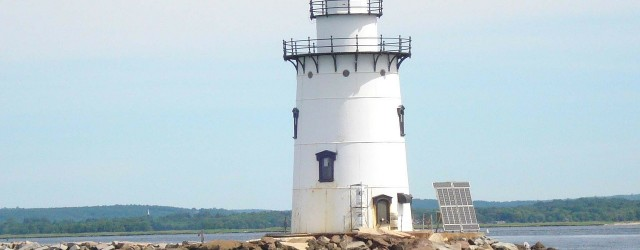 6 Best Lighthouses on the East End